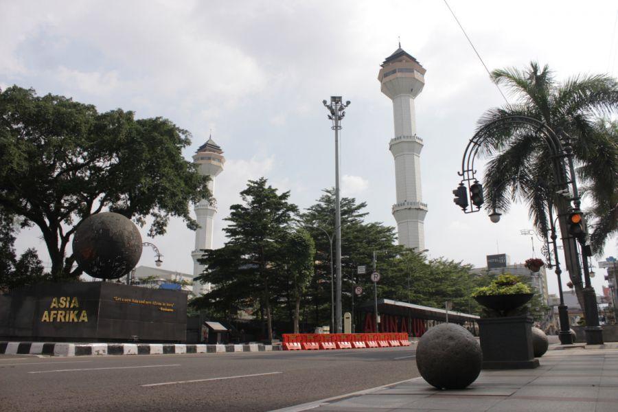 Sunyi Sepi, Begini Kondisi Bandung saat PPKM Mikro Darurat Mulai Diberlakukan