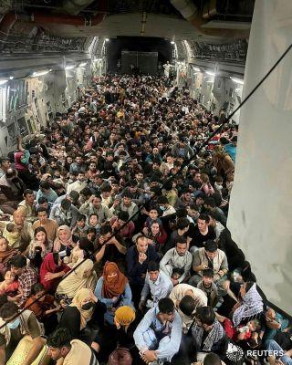 kacau-presiden-afghanistan-melarikan-diri-taliban-berhasi-kuasai-kabul