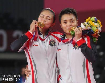 Moment Haru dari Greysia dan Apriani, setelah menjuarai Badminton di Olimpiade Tokyo 2020